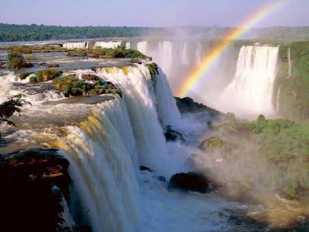 Vodopad_Iguassu-Argentina.jpg